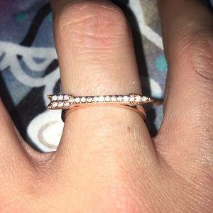 Jewelry - New arrow ring